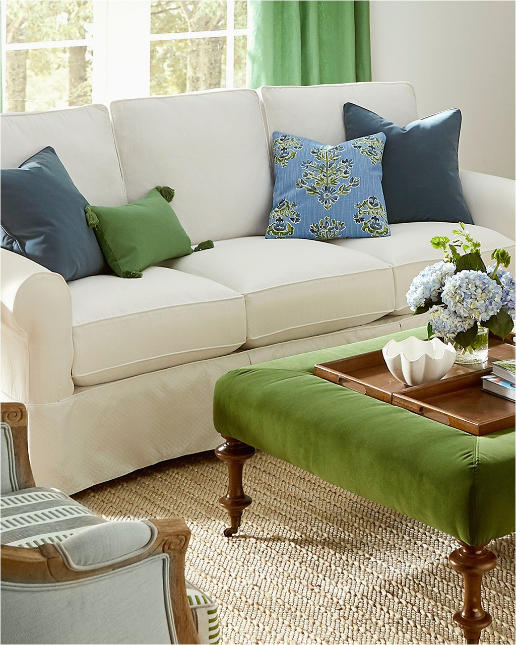 Area Rugs and Matching Pillows Guide to Choosing Throw Pillows