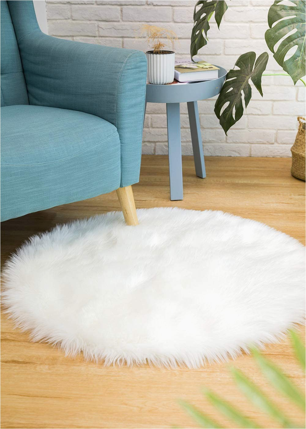 Faux Animal Skin area Rugs Ciicool soft Faux Sheepskin Fur area Rugs Round Fluffy Rugs for Bedroom Silky Fuzzy Carpet Furry Rug for Living Room Girls Rooms White 3 X 3 Feet
