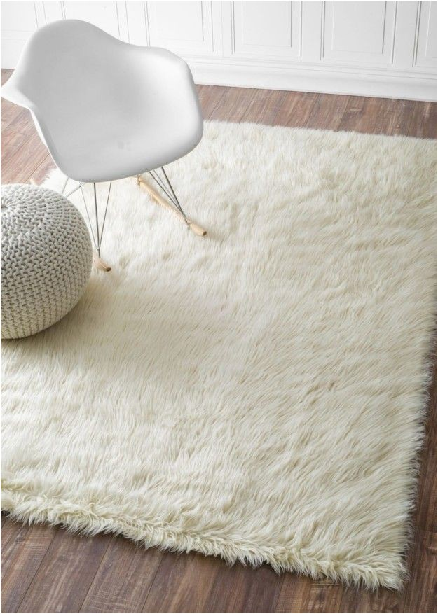 Big White Fluffy area Rug A Fuzzy Rug that Cushions Your Feet if You Ever Dare Step