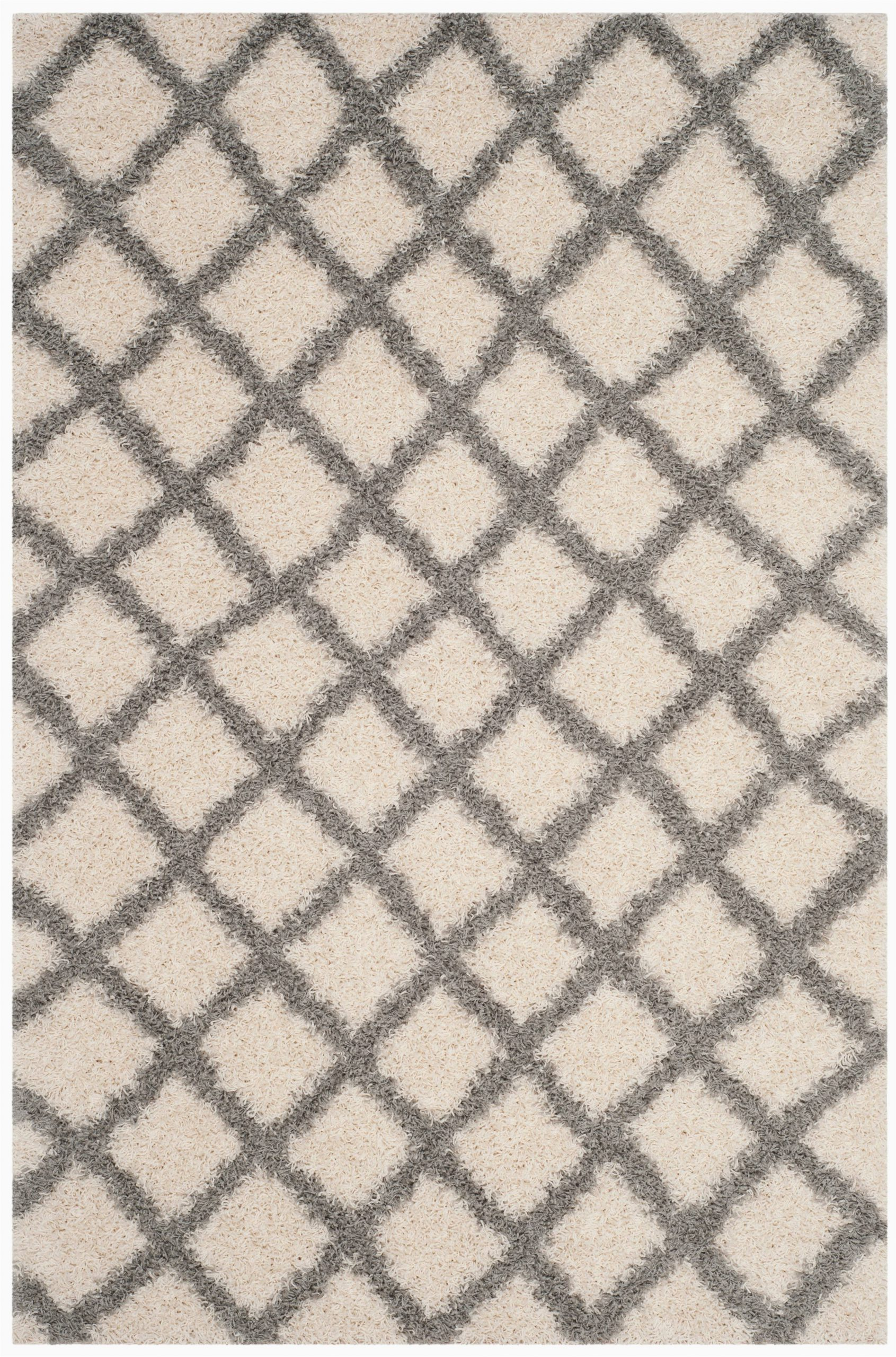 Safavieh Daley Geometric Plush Shag area Rug Safavieh Layla Geometric Plush Shag area Rug or Runner