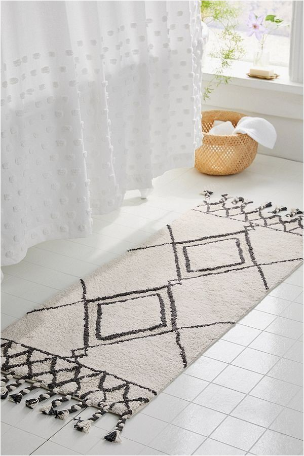 Bath Mats that Look Like Rugs Get Decorating and Design Ideas From Photos Of Bathroom Rugs