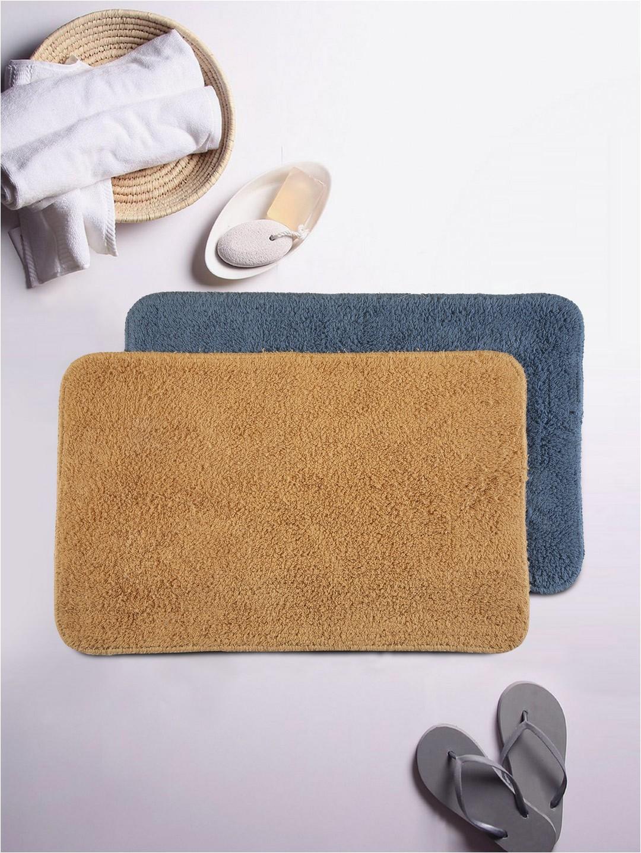 b1ff5918 2f9e 4494 ae00 37b5303cb BIANCA Navy Blue Brown Set of 2 Cotton Anti Skid Bath Rugs 1