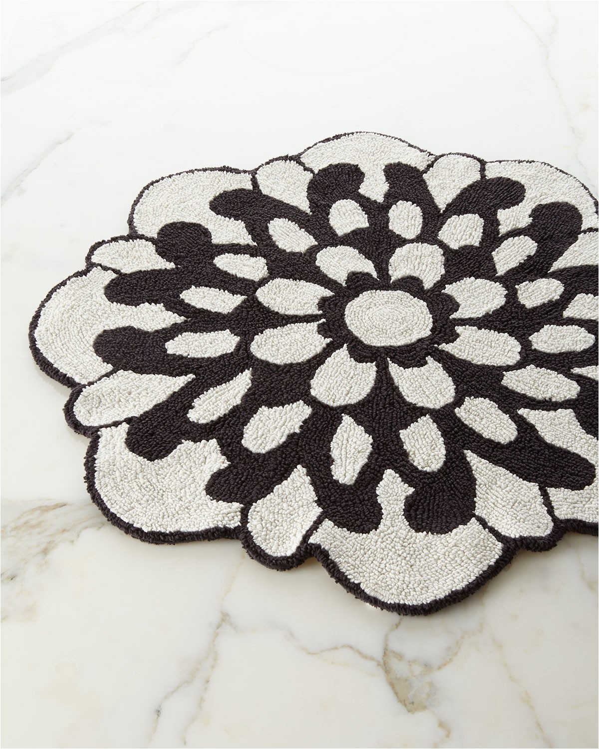 Dolce Home Luxury Chenille Bath Rug Otil Reversible Flower Shaped Bath Rug