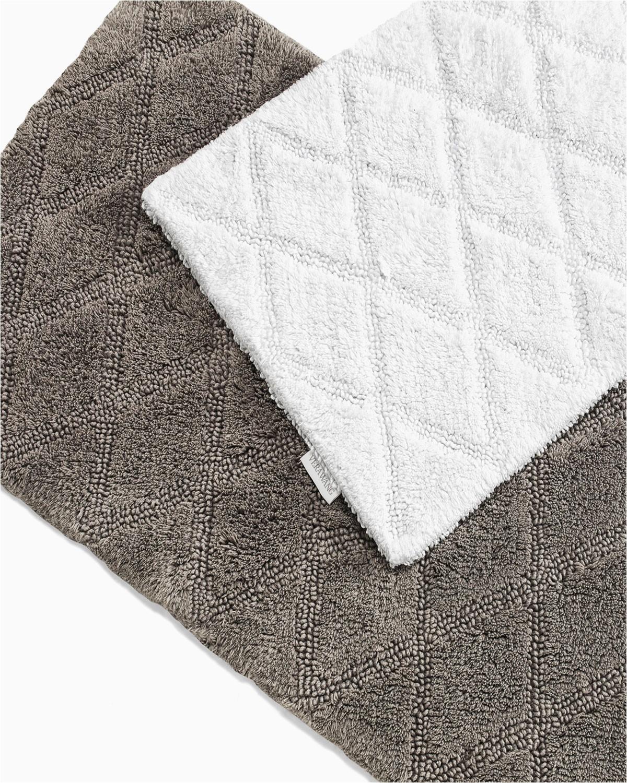 vera wang tufted diamond reversible bath rugs set of 2 prod