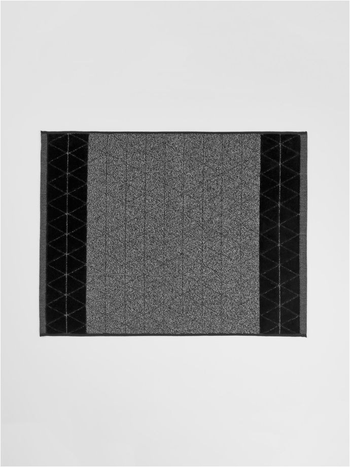 chambray border bath mat black