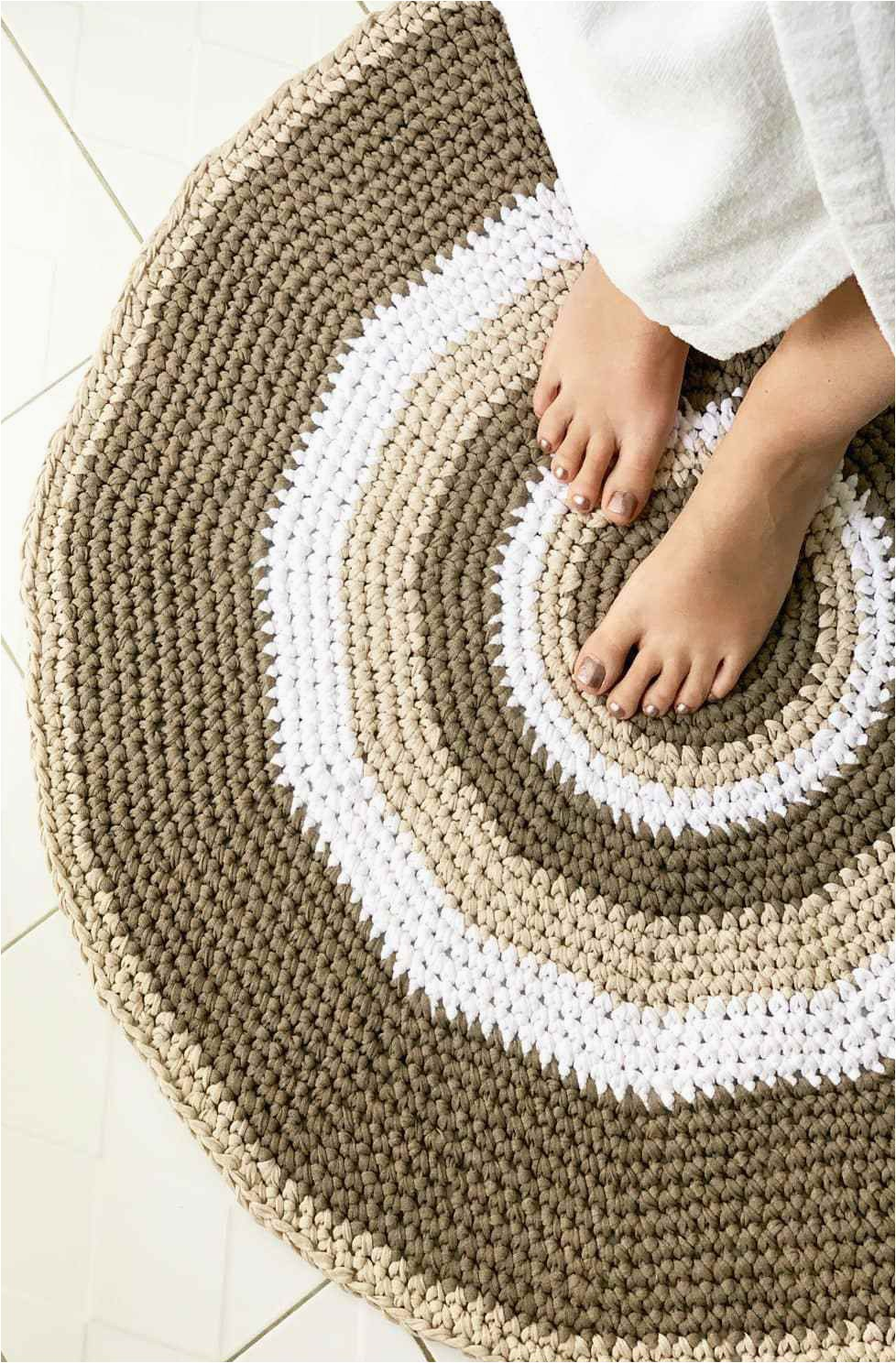 circle bathroom rug e