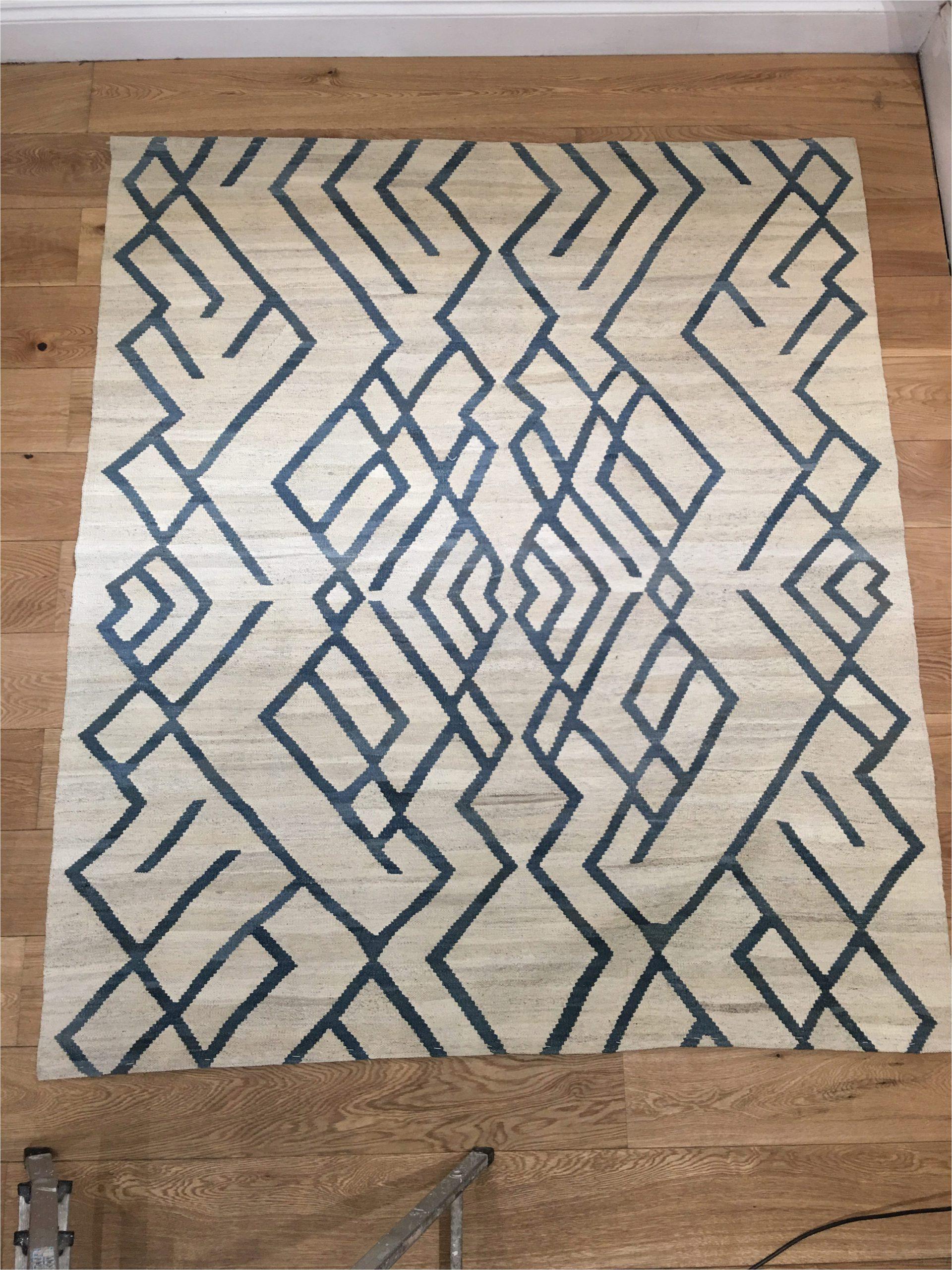 blue and white kilim rug 1 8m x 1 6m