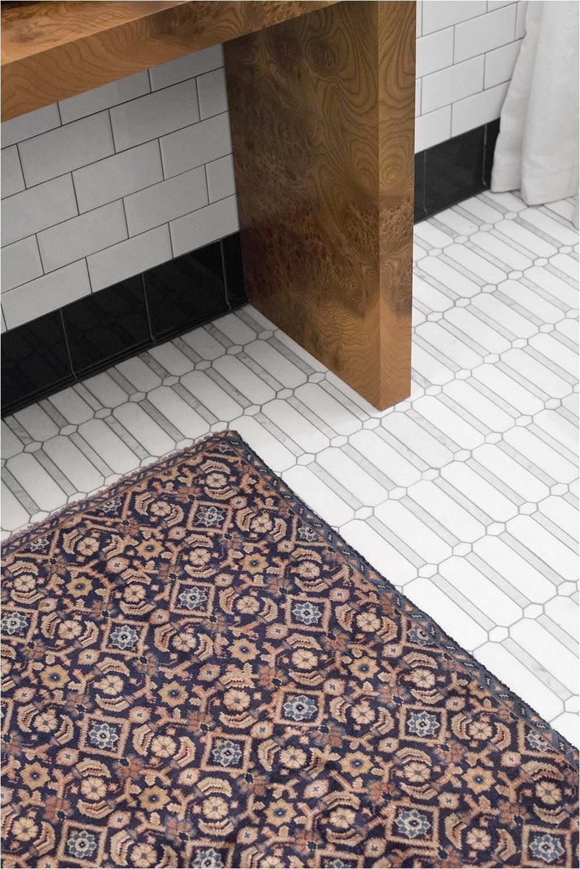 Vintage Wool Rug in Guest Bathroom