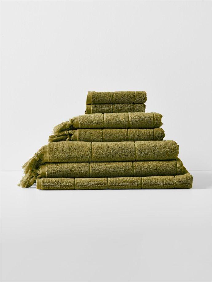 paros towel stack olive 1