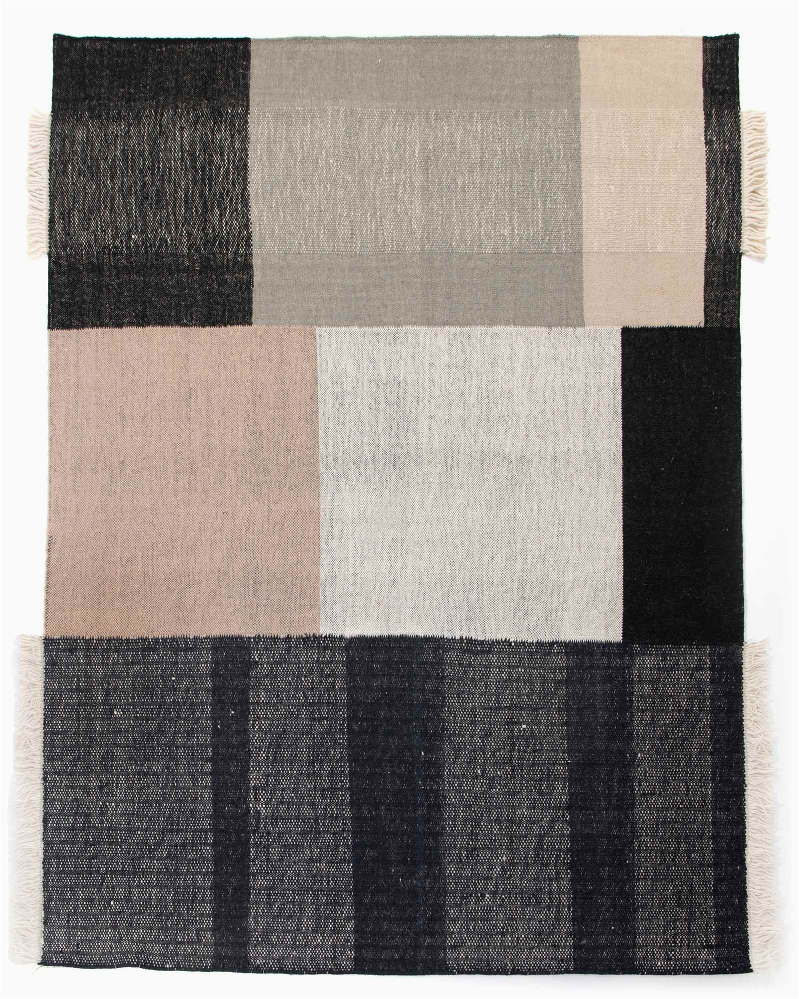 bran rug 8x10 in black and cream