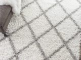 Shanna Off White area Rug Rugstudio Presents the Shanna Shaggy White by Nuloom
